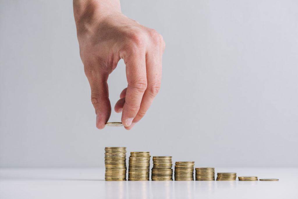 """EAE Business School """"es más que probable"""" que el Gobierno suba el IVA al 23% para cumplir el déficit"""